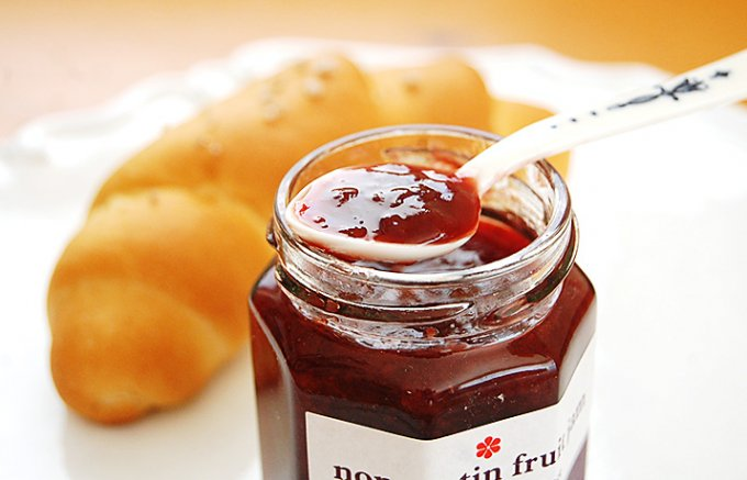 話題の塩パンとの相性がハンパ無い!果物と砂糖のみで作ったノンペクチンジャム