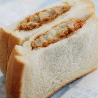 銀座に行ったら一度は食べたい!どこか懐かしい絶品惣菜パン3選
