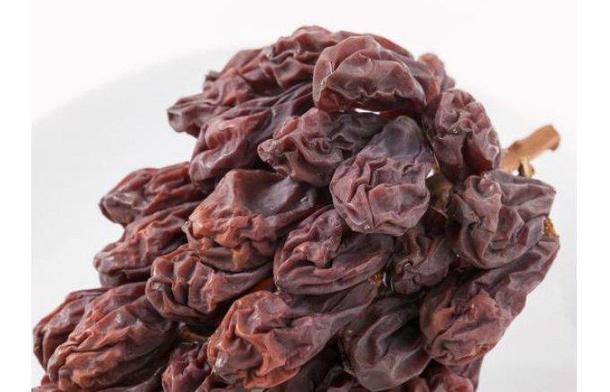 粒も大粒で香りや味も段違い!一度たべたら止まらない「生レーズン」