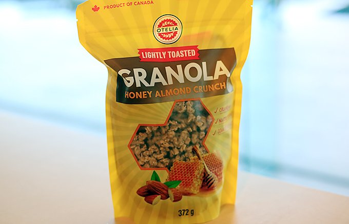 世界有数のオート麦生産国カナダこだわりの自然の香り豊かなグラノーラ
