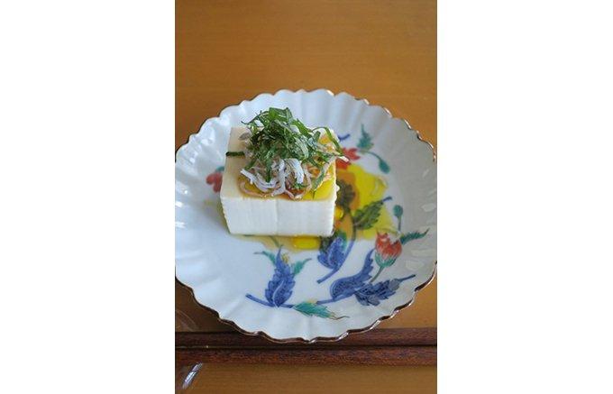 静岡産100%の茶の実から丁寧に絞ったティーオイル「茶ノ実油」