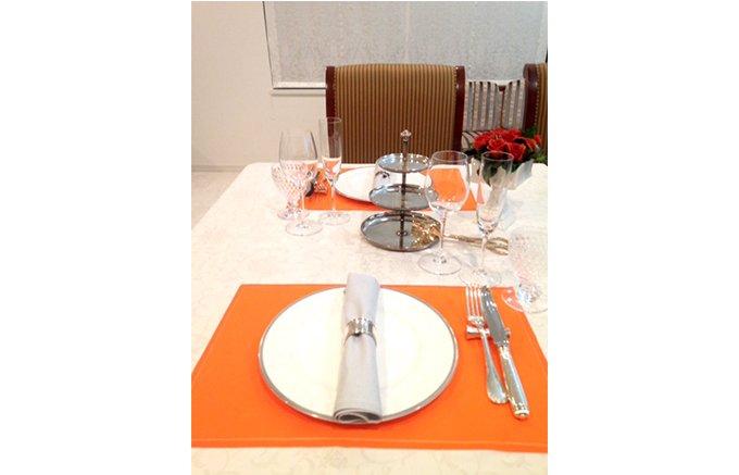 テーブルの印象をお手軽に変える!スペイン発のロール状リネンMYdrap