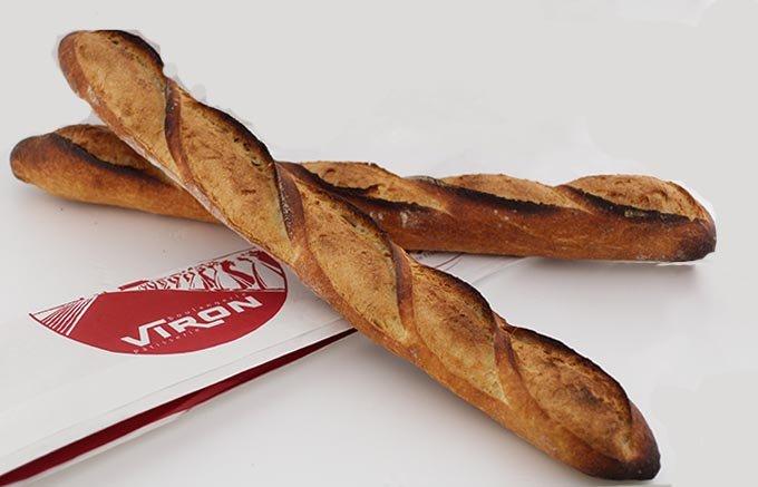 何も付けずにそのまま食べるのが一番美味しい!VIRONでしか味わえない特別なパン