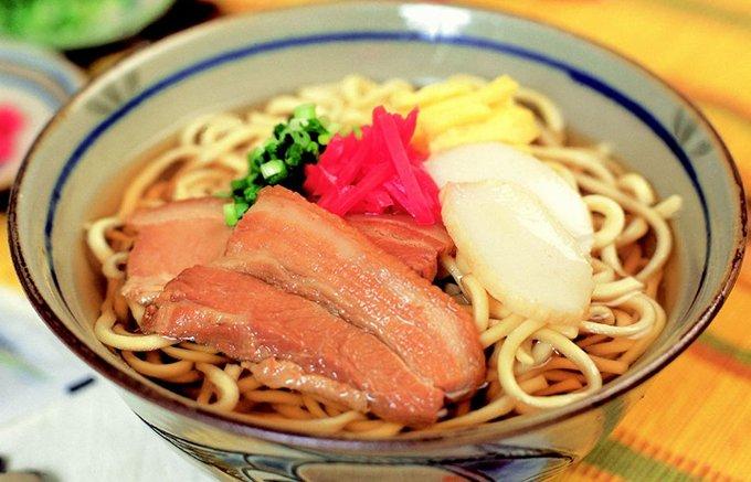 沖縄そばがご家庭で簡単に楽しめる万能濃縮だしは、絶品ゴーヤチャンプルーにも!