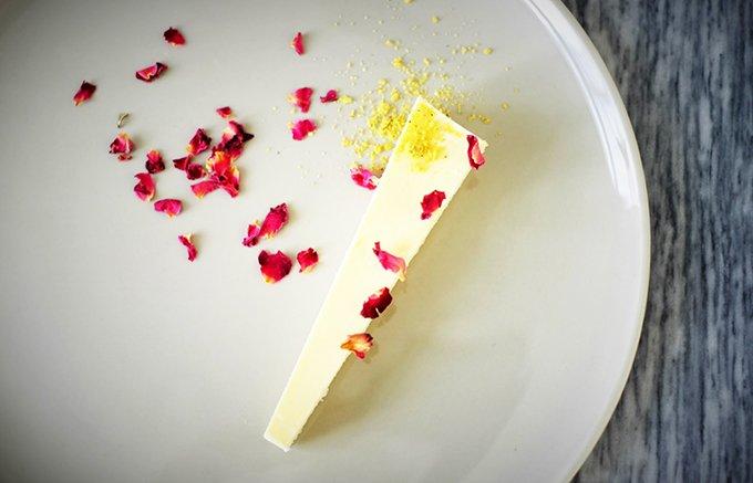 """週2日のみ販売!チーズのような""""幻""""の「湘南のチーズケーキ」"""