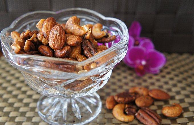 私の人生史上ナンバーワンのナッツは、甘辛くスモークされた香りがクセになります