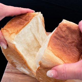 【リピート率9割超え!?】食パン一筋19年、ふわふわもっちり!究極の食パン