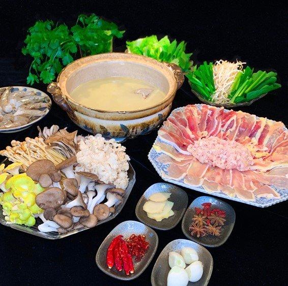【薬膳師監修】本物を食す!鹿児島産さつま地鶏の絶品薬膳鍋