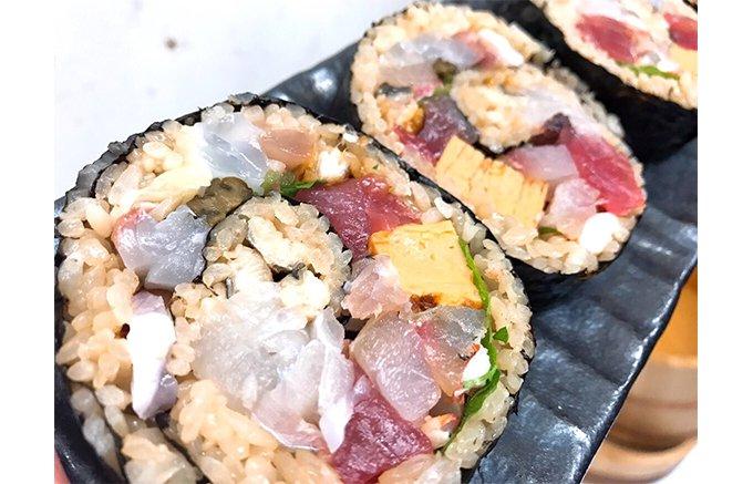 ホムパに最適のインパクト!熟成鮨わだのやの「特大太巻き」