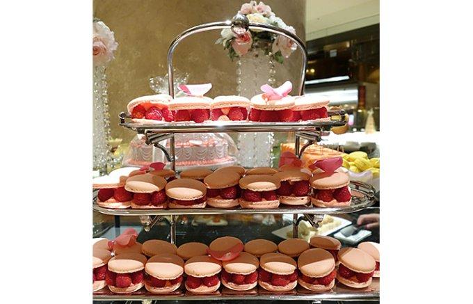 ヒルトン東京「恋するプリンセス」デザートブッフェの魅惑的なケーキをお持ち帰り