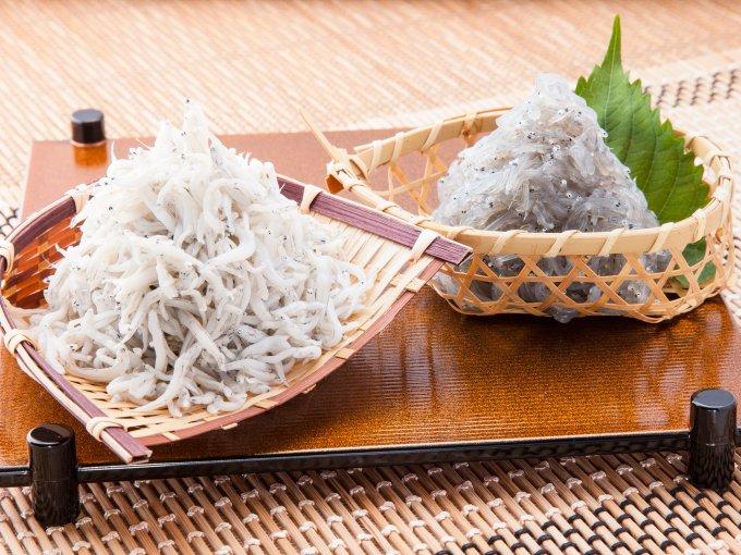 江の島「しらす問屋とびっちょ」の釜揚げしらすは「ふわっふわっ」の食感が絶妙に旨い