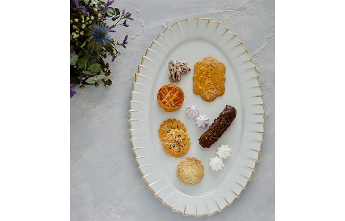チャンスは月に1度たけ!喜ばれる事間違いない手土産「シュクレリ」のクッキー缶