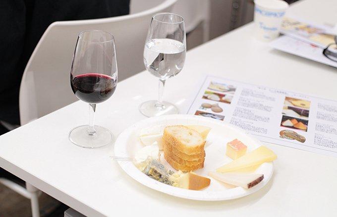 教えることで教えられ、自分の世界が広がるのが喜び。 チーズ&ワインナビゲーター