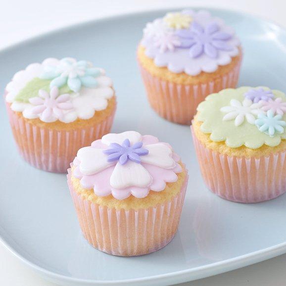 いつも頑張るお母様に。母の日に贈りたい、華やかな花束代わりのフラワースイーツ