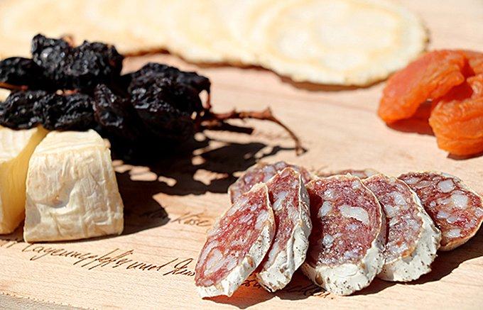 希少種ケンボロー・ホエー豚から作った生サラミ「エンダッタラ」