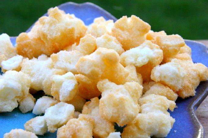 チーズのコクと甘さがたまらない!『YOSHIMI』の「北海道チーズおかき」