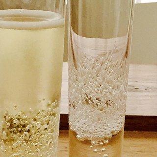 泡が美しい シャンパングラス ア ワ グラス