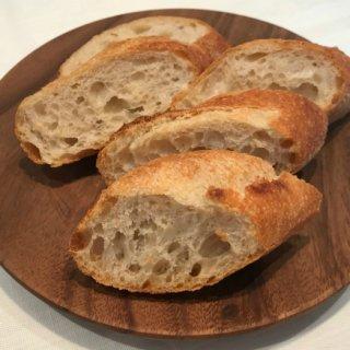 かむほどに味わい深い!五感で自然の恵みを味わう「レ・サンク・サンス」のパン