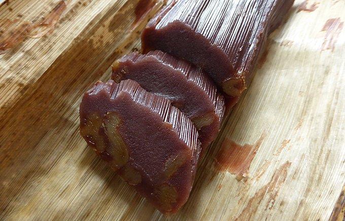 切っても切ってもゴロゴロ栗!竹皮に包まれた石川県松葉屋の栗蒸し羊羹