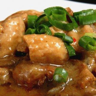 優しい味噌テイストでやわらか食感の広島呉名物「鳥皮みそ煮」が缶詰めに