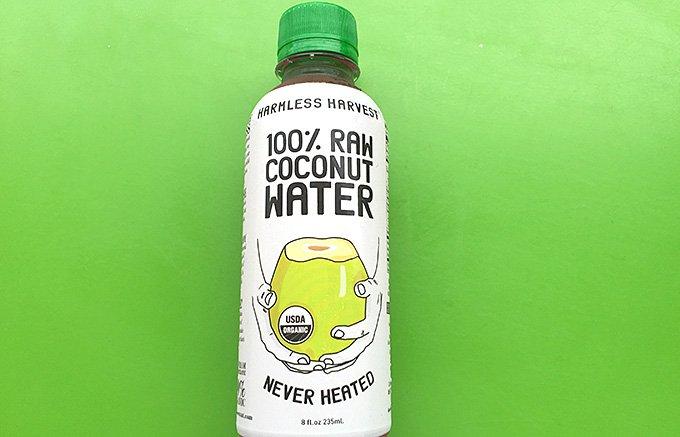 ココナッツのスムージー、ウォーターで夏の水分補給!最新ヒット商品3選