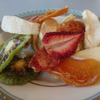 砂糖・保存料不使用!甘みが違う国産フルーツのミックスドライフルーツ