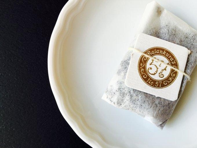 ハリウッドセレブに人気の白茶をご存知?高級ブランドNo.57のKiss Tea