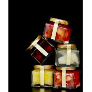 旬を迎えるフルーツをたっぷり使った彩りも美しい「朱夏の果実ジュレ」