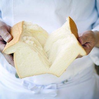 食パン革命!シンプルだからこそ ここまで追求された極上のふわっふわ食パン