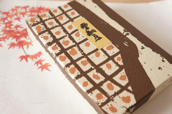 メディア露出を控える栗菓子の老舗「すや」の黄金色に輝く「栗納豆」!