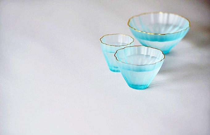 お正月に飲む日本酒はこの酒器で!透明感あふれる酒器「Kikka」