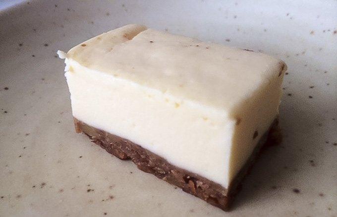 """香ばしく濃厚なチーズケーキ""""胡桃の醍醐味"""""""