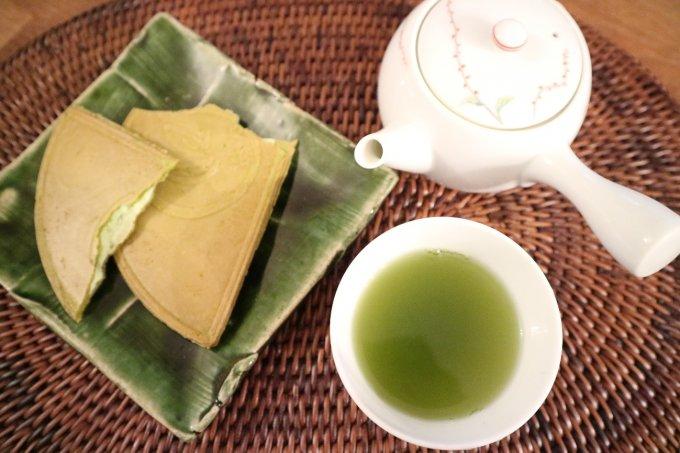 おやつに、お土産に、老若男女問わず親しみのあるお菓子「鎌倉半月」