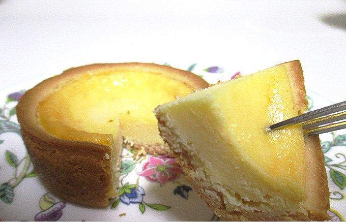 レモンとクリームチーズが交互に押し寄せる! みやげは「檸檬派!」増えてます!