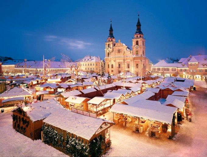 ドイツのクリスマスに欠かせない粉雪に包まれたような「シュトレン」
