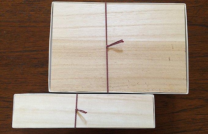 楊枝でつつくと、ぷるんと弾ける五穀屋の水玉羊羹「五季」