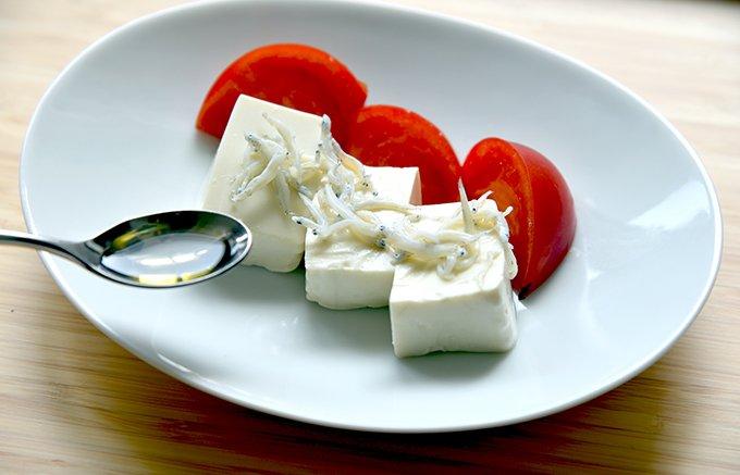 健康食品として注目され、低温で搾りだされた島根県奥出雲産「飲みやすいえごま油」