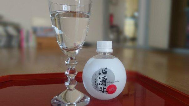 奥伊勢から湧き出る天然水「心清水」は日本では非常に珍しい硬水で飲みやすい