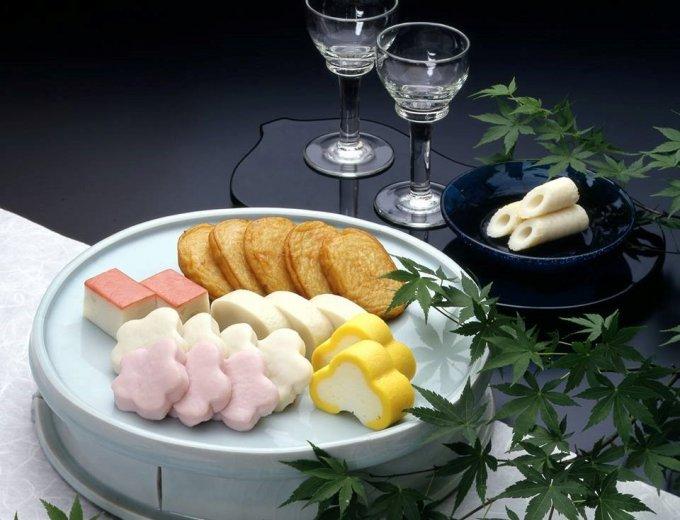 地元鎌倉の銘品かまぼこ!紅白の梅の形が可愛い『井上蒲鉾店』の「梅花はんぺん」