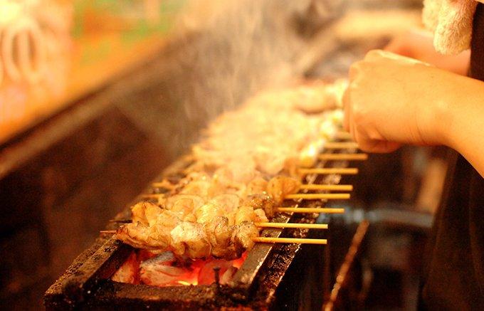 三島で大人気居酒屋の焼きとりてっちゃん。焼きとんのしろをテイクアウトで!
