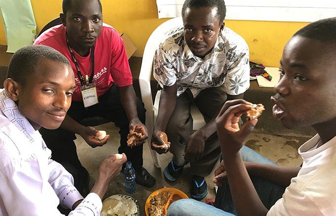 もちもち食感がたまらない!ザンビアのネイティブフーズ「シマ」とは?