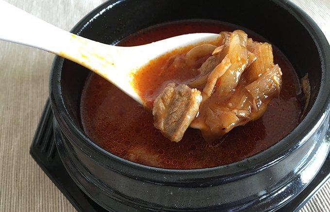 和牛のコクと辛味が絶妙!博多の名焼肉店「大東園」の博多ユッケジャンをお取り寄せ