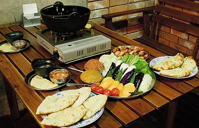 インドに鍋料理はないけれど。驚きのインドカレー鍋。