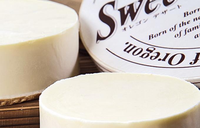 チーズケーキ専門店が良質なチーズで作る、3種の味が楽しめるチーズケーキ