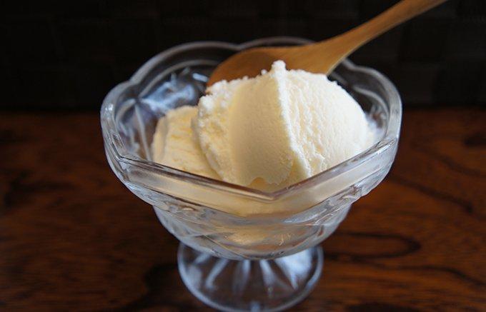 牛乳のコクたっぷり!一度食べると虜になる「大内山酪農」オリジナルバニラアイス