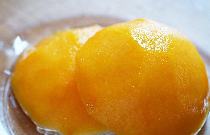 黄金色に輝く「桃の宝石」膨大な手間ひまをかけた山梨桃「オリンピア」