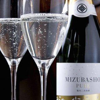 世界初!まるでシャンパン!無色透明、唯一無二の日本酒スパークリング
