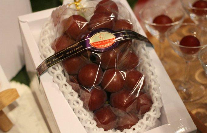 石川発の高級果物!14年もの歳月をかけて生まれた一際でかい「ルビーロマン」