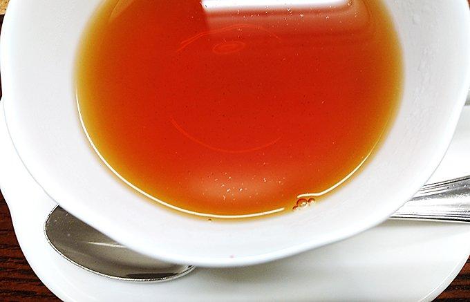 伝説のティーブレンダーが日本に合わせて作った紅茶ブランド「フィーユ・ブルー」