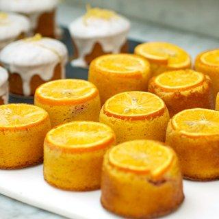ミュージアムカフェで味わう英国クラシックケーキ「オレンジ&プラムケーキ」